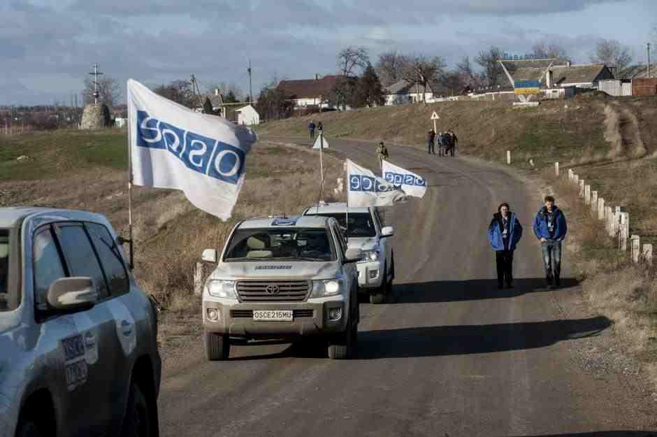 El ejército ucraniano establece el control sobre el personal de la misión de la OSCE en Donbass
