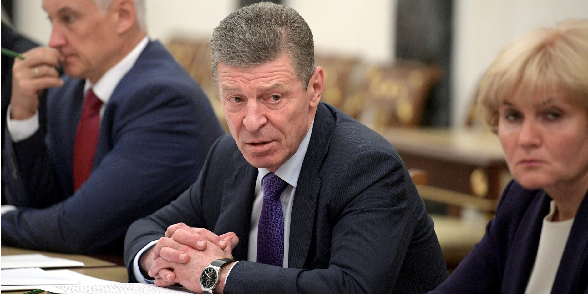 """Kozak: El régimen de alto el fuego en Donbass es """"como mínimo"""" respetado"""