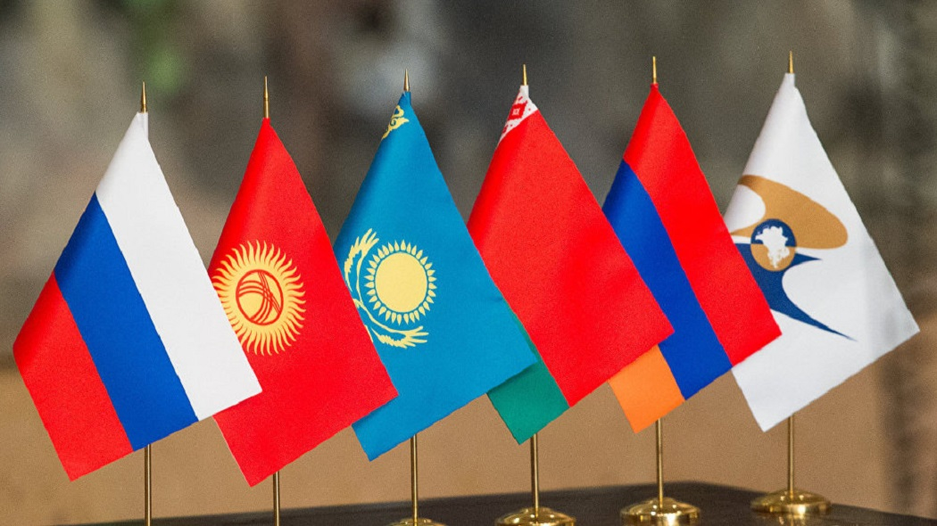 Vladimir Putin pidió a los países de la UEEA que coordinen eficazmente los esfuerzos para combatir la pandemia de COVID-19