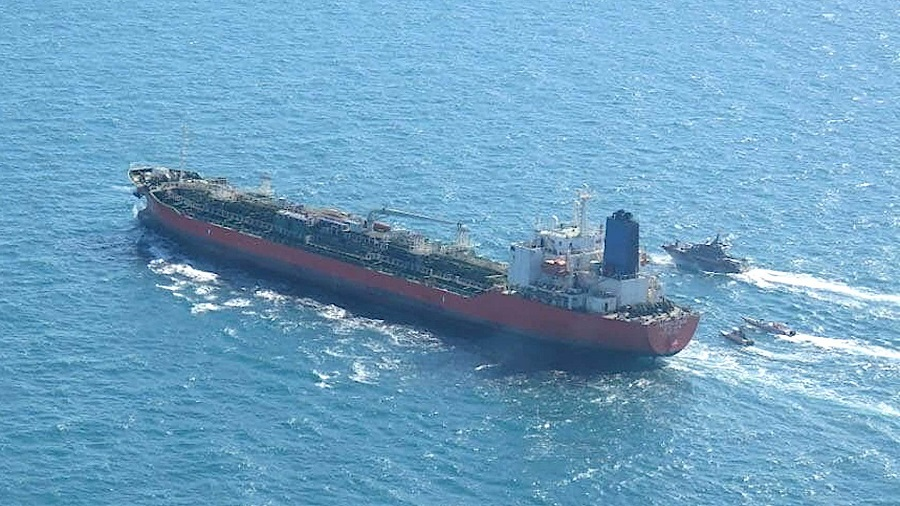 Seúl envía un destructor al Estrecho de Ormuz después de que Irán se apodere de un petrolero de Corea del Sur.