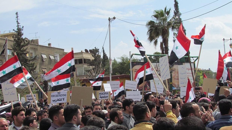 Los sirios se manifiestan contra la presencia de los kurdos y pro turcos en el norte de Hasaka