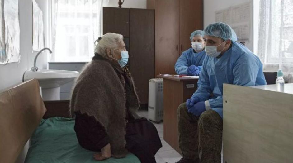 Más de 1.100 personas en Karabaj recibieron asistencia médica de los militares de Rusia