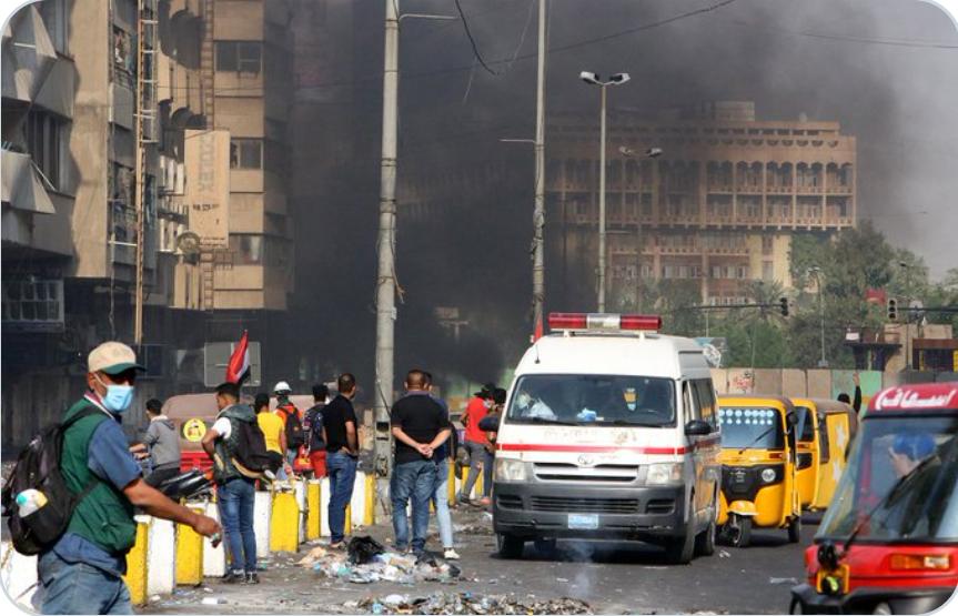 (Video) Se informa que un ataque terrorista suicida deja 15 muertos y 20 heridos en el mercado central de Bagdad en Irak