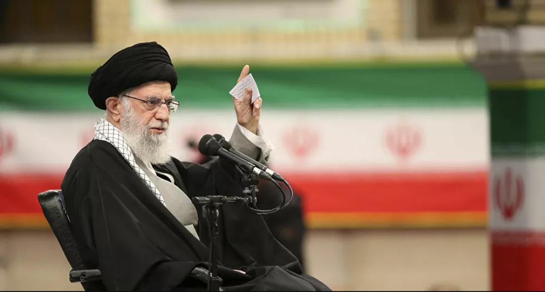 Twitter suspende una de las cuentas del líder supremo de Irán