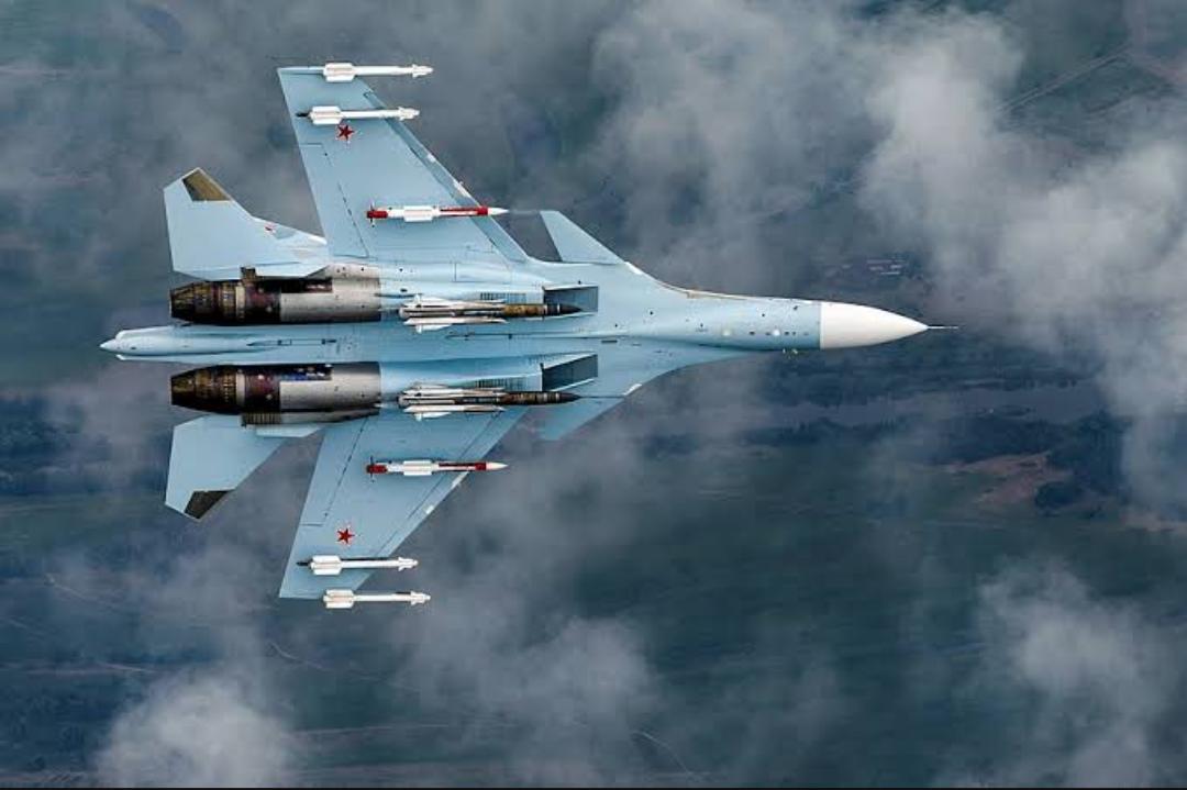 Cuatro aviones de combate Su-30SM de Rusia interceptaron bombarderos B-52 estadounidenses frente a la costa de Crimea