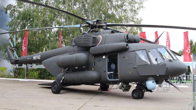En video-Ejercicios conjuntos de helicópteros Mi-17 y Apache en la India