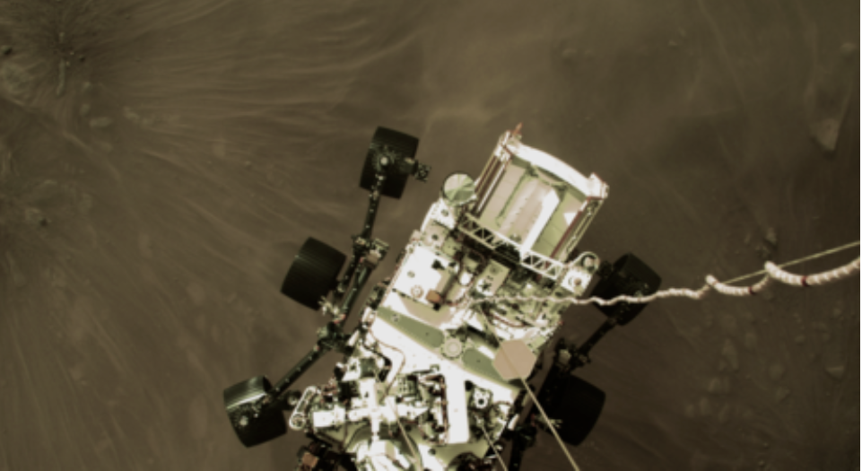 """(Video) 7 minutos de terror """": NASA revela los últimos momentos del descenso del rover a Marte"""