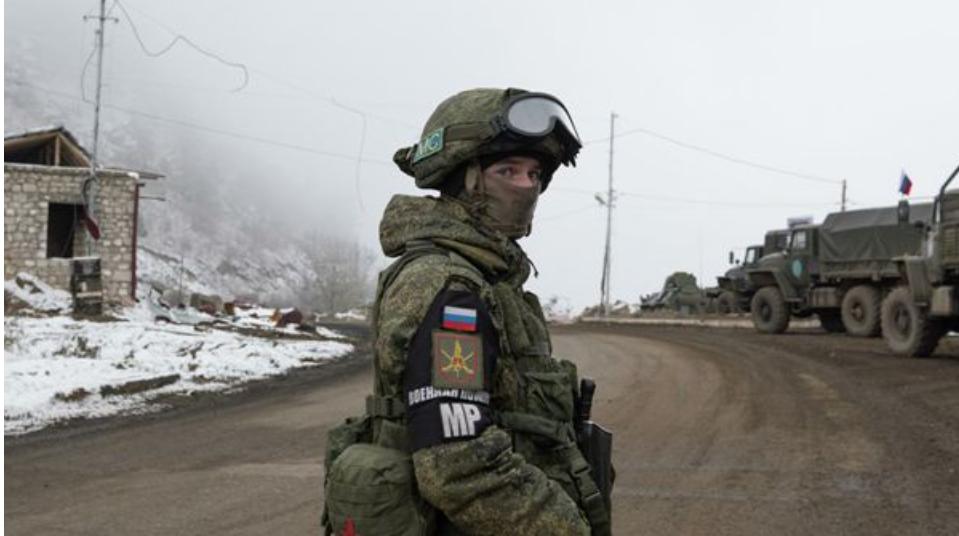 Armenia dice que Rusia asegura una tregua en Karabaj pero Turquía está llena de ambiciones