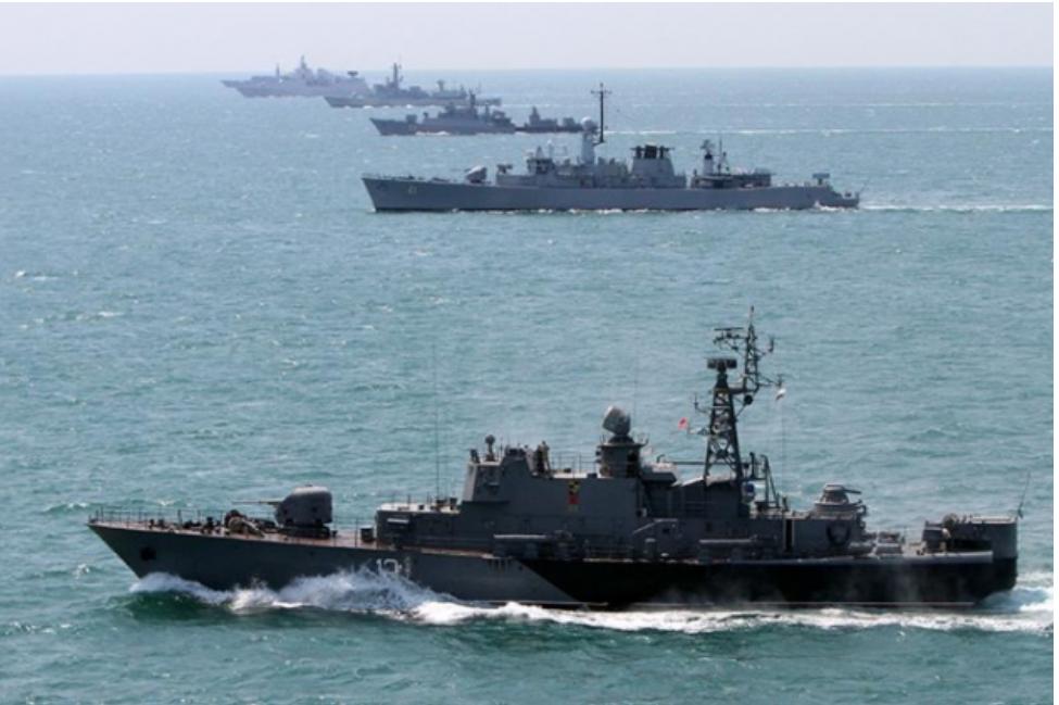 13 buques de guerra de la OTAN fueron avistados al suroeste de la costa de Crimea Rusia