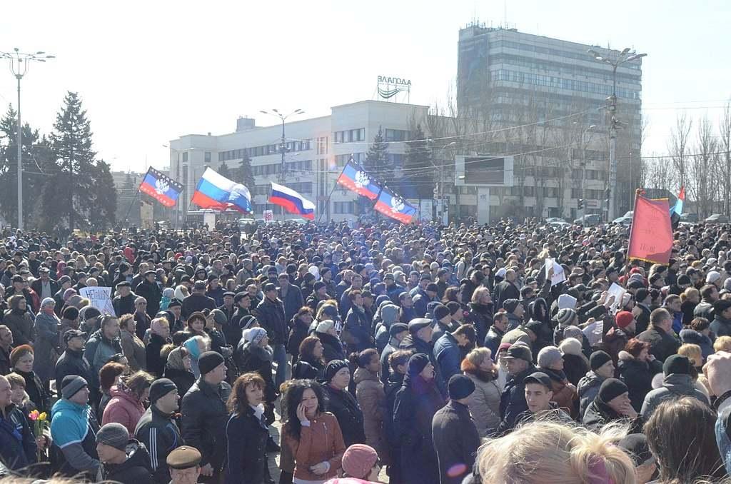 En Ucrania, reconocieron que la juventud de Donbass elige Rusia