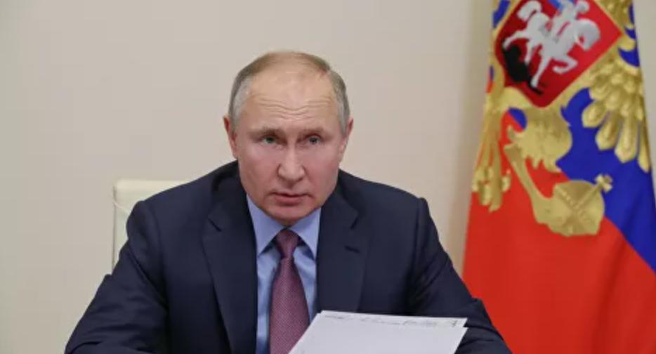 Presidente Putin dice que las vacunas de Rusia contra el Covid, son eficaces contra las mutaciones que tanto están 'asustando a todos en Europa'