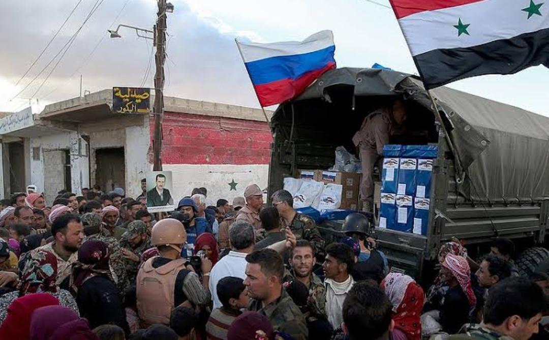 Ejército de Rusia distribuyó paquetes de alimentos a los refugiados en la provincia siria de Sweida