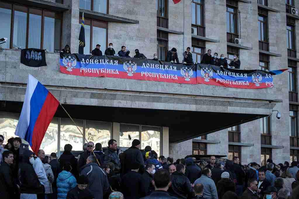 Día de la proclamación de la República Popular de Donetsk: como fue hace 7 años (Foto + Video)