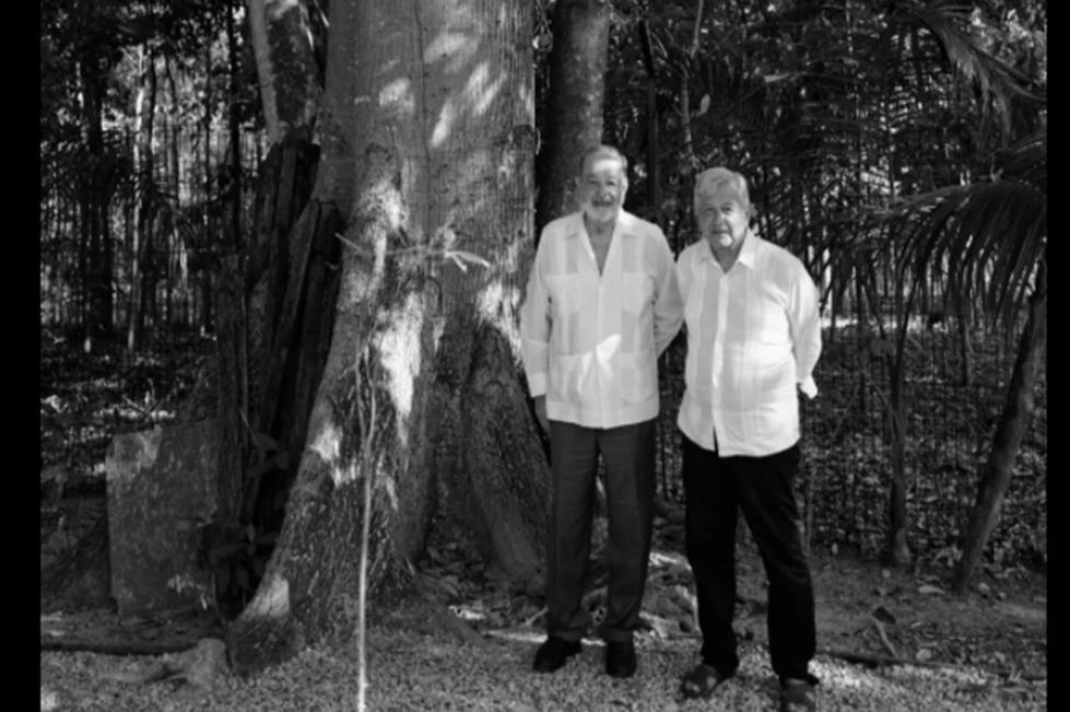 Presidente de México AMLO y Carlos Slim evalúan avance en la construcción del Tren Maya