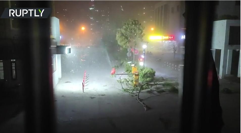 (Video) Al menos 11 muertos y más de 100 heridos por violentos vientos huracanados en China