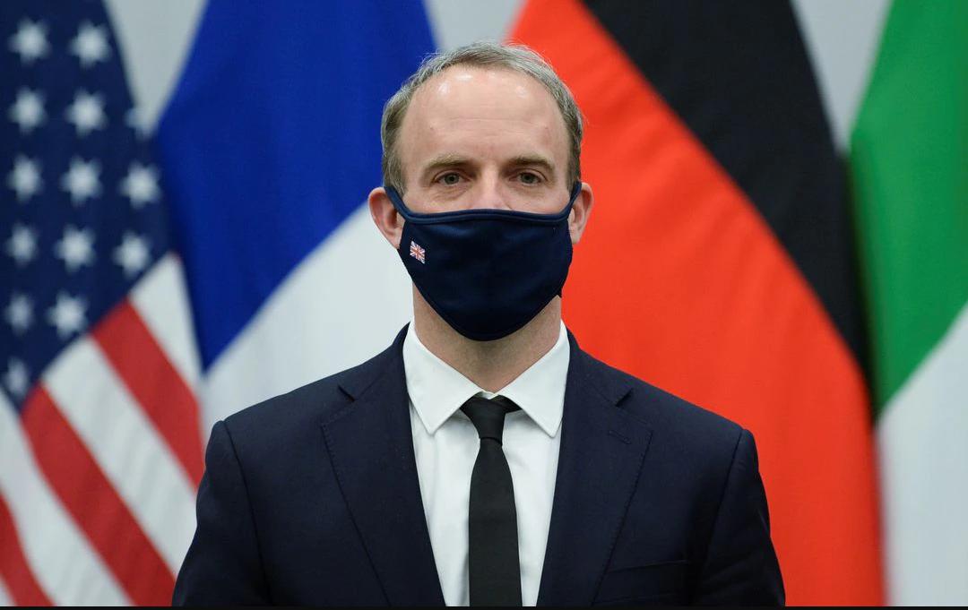 Reino Unido dice que la puerta a las relaciones positivas con Rusia siempre estará abierta pero hasta que cambie su '' mal comportamiento''