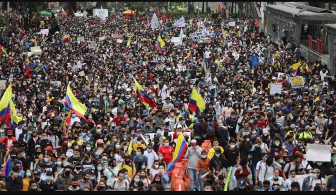 Líderes progresistas hacen un llamado de alerta por la represión contra los manifestantes en Colombia