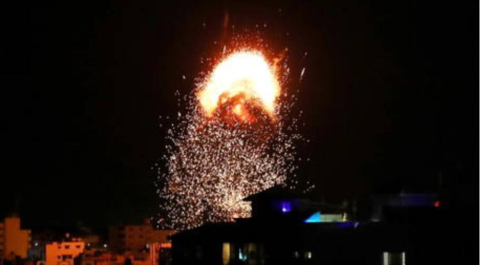 Bombardeos israelíes en Gaza se reanudan mientras Israel agradece a Estados Unidos por bloquear la declaración de la ONU pidiendo el alto al fuego