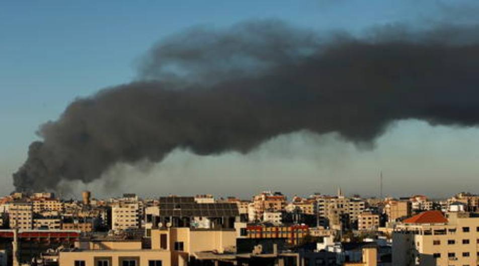 Las pruebas y las vacunas contra el Covid en Gaza se interrumpieron después de que el laboratorio principal se dañara en los bombardeos de Israel : Funcionarios de salud