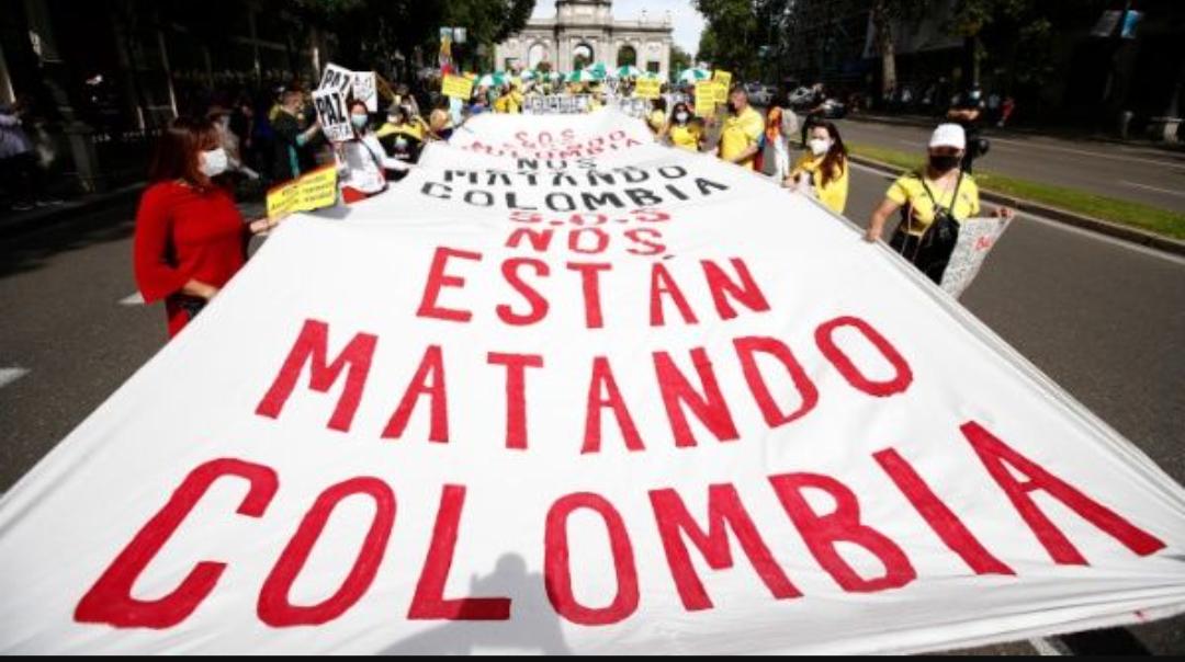 Denuncian una nueva jornada de represión policial contra los manifestantes en Colombia