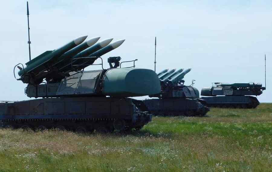 """Ucrania realizó entrenamiento en la frontera con Crimea utilizando el sistema de misiles de defensa aérea """"Buk"""""""