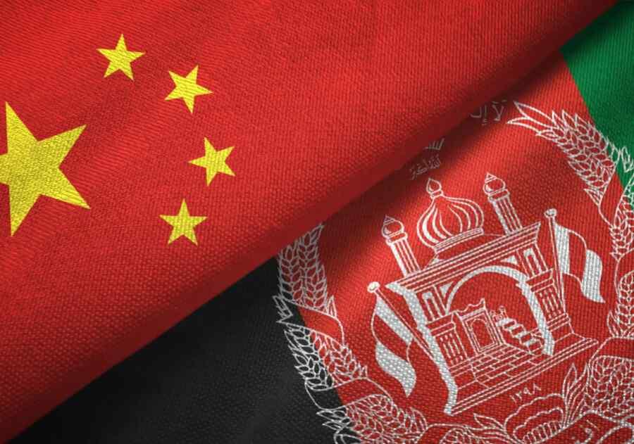 Delegación de los talibanes sostuvo conversaciones con ministro de Relaciones Exteriores de China