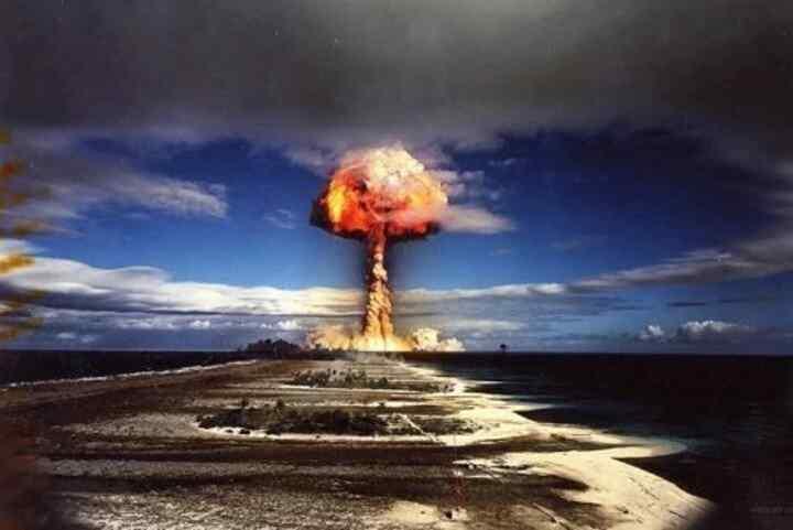 Macron dice que Francia estaba en deuda la Polinesia Francesa debido a las pruebas nucleares
