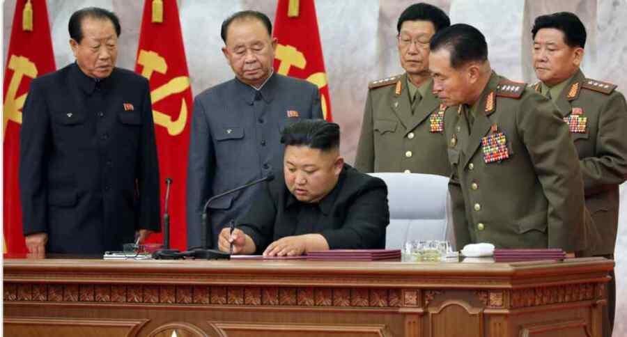 Kim Jong un de Corea del Norte compara el encierro del Covid con la situación durante los años de guerra