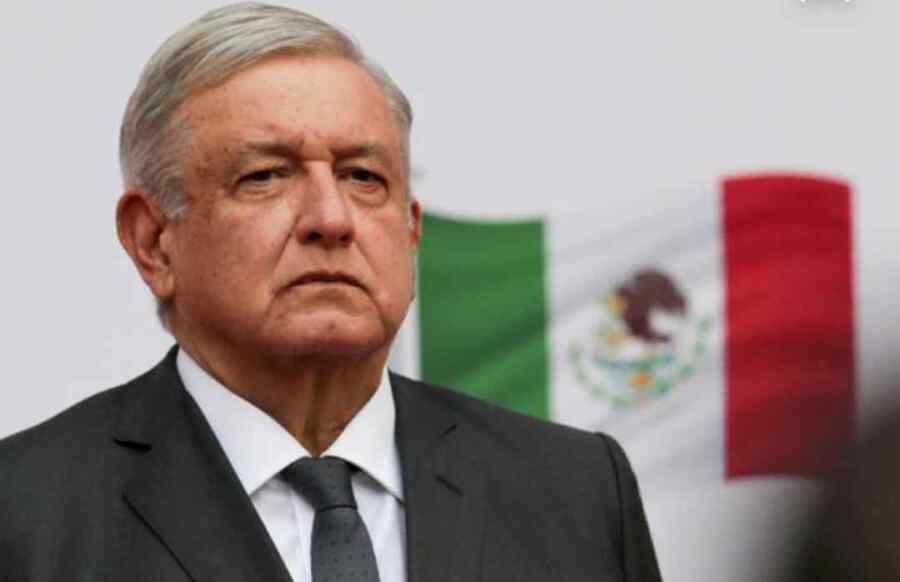 Presidente de México AMLO es aclamado en línea cuando acusa a las 'grandes farmacéuticas' de intentar sacar provecho de las vacunas sin saber si son seguras para los niños