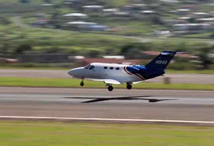 El avión utilizado por el equipo de negociación de Guaidó para las conversaciones de Barbados también transportó a los asesinos del presidente de Haití : Informe