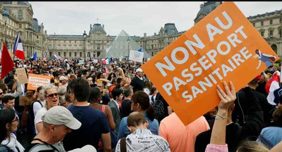 (Video) Nuevas manifestaciones se desatan contra los mandatos de Macron de los pasaportes sanitarios y la vacunación obligatoria en Francia