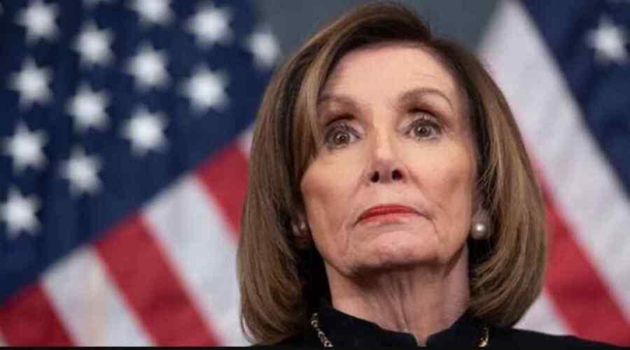 Reina de la hipocresía ': Nancy Pelosi bajo fuego después de quitarse la máscara en incumplimiento de las directrices de la política del Capitolio