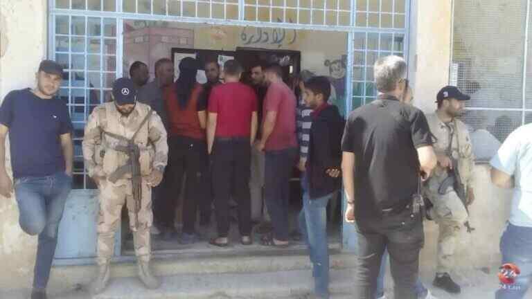 El Ejército Árabe Sirio ingresa a otro poblado en el oeste de Daraa, a pesar de los ataques regulares a sus fuerzas