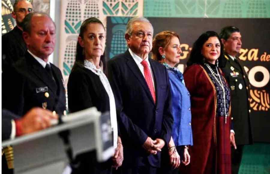 Presidente de México AMLO ordena crear en la Guardia Nacional cuerpo especial para recuperar piezas históricas robadas
