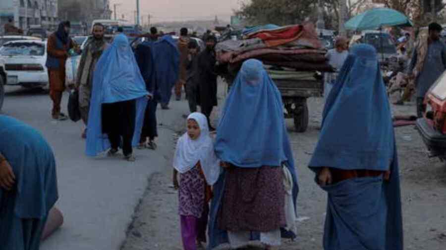 Reconocimiento de los talibanes aún está fuera de la mesa para Alemania, dice Merkel mientras la Unión Europea promete 1.200 millones en ayuda a Afganistán