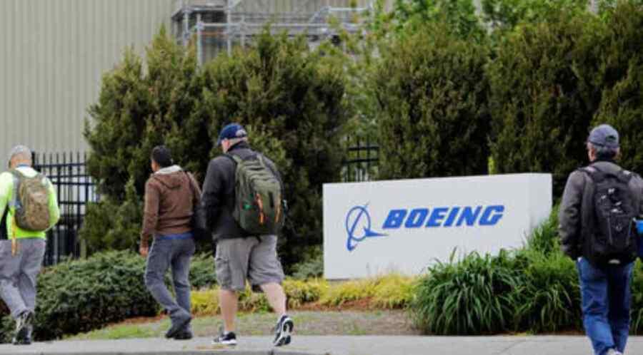 Boeing les dice a todos sus empleados que obtengan sus vacunas Covid-19 antes del 8 de diciembre, para cumplir con la orden de Joe Biden