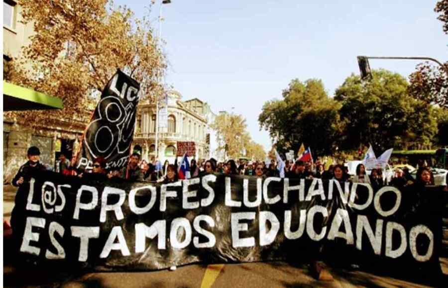 Cumplen los docentes de Chile la jornada de paros y movilizaciones